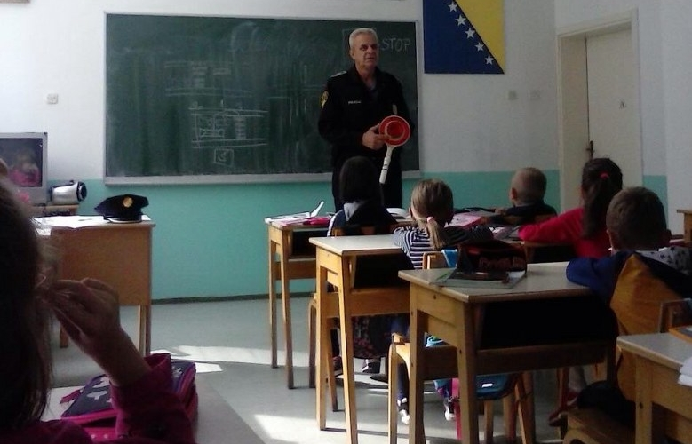 RPZ POLICAJCI ODRŽALI EDUKATIVNA PREDAVANJA ZA NAJMLAĐE ŠKOLARCE / FOTO /